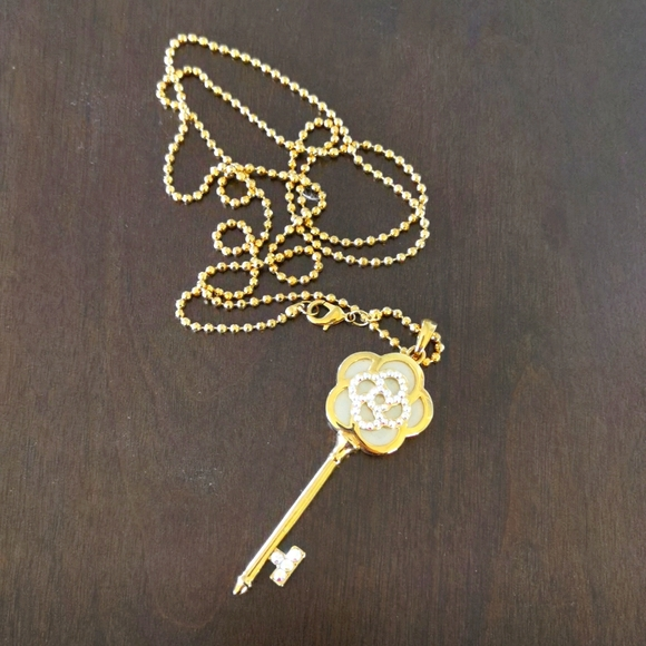 rose key long necklace